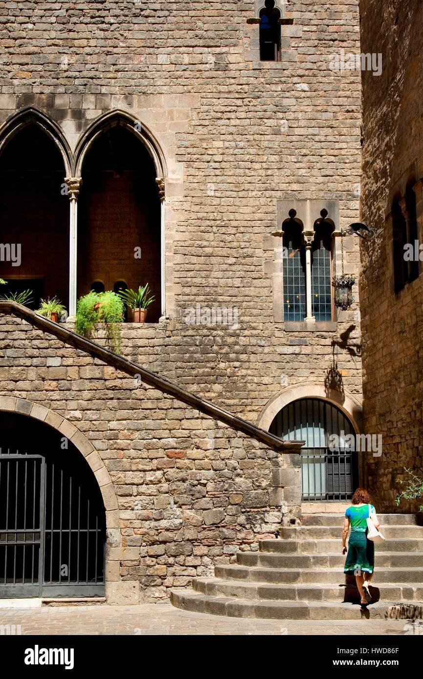 Spain, Catalonia, Barcelona, Gothic Neighborhood, Barrio Gotico, Barri Gotic. . Real Academia de les Bones Lletres - Stock Image