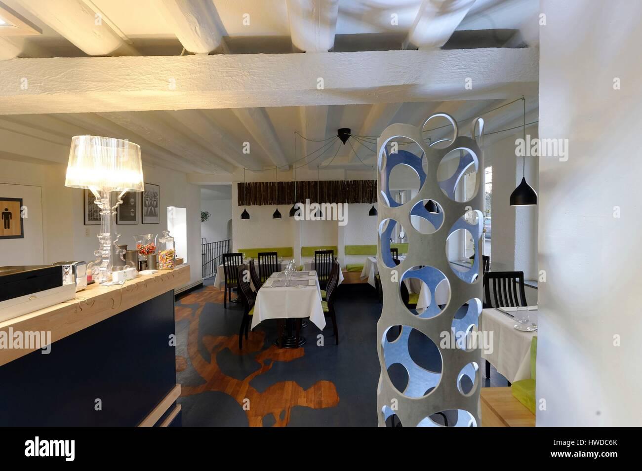 le quai restaurant stock photos le quai restaurant stock images alamy. Black Bedroom Furniture Sets. Home Design Ideas