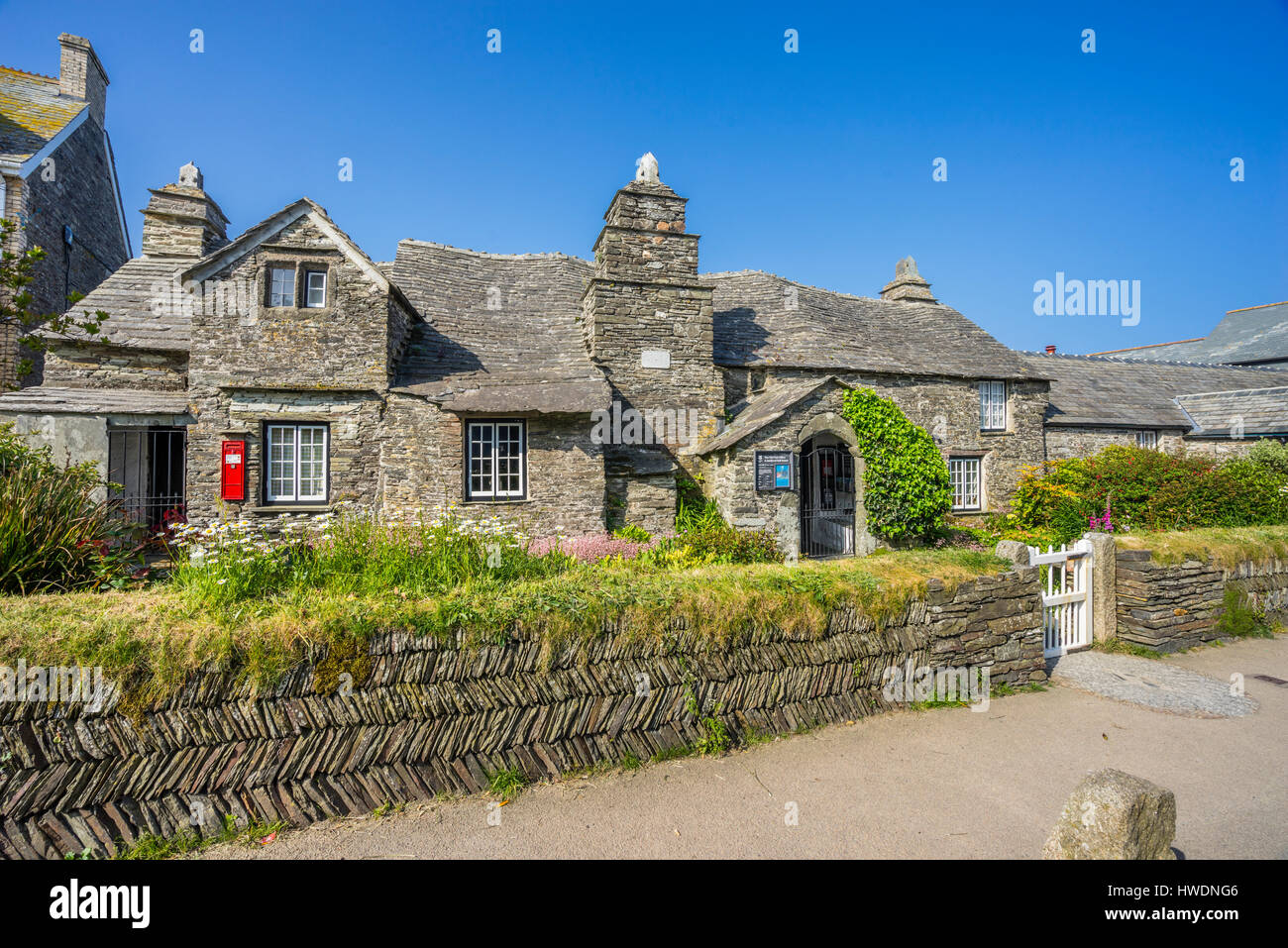 United Kingdom, South West England, Cornwall, the medieval hall-house of 14th century Tintagel Old Post Office - Stock Image