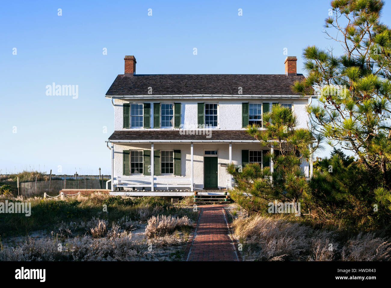 NC00866-00...NORTH CAROLINA - Lighthouse keepers house at Cape Lookout National Seashore on the South Core Banks. - Stock Image