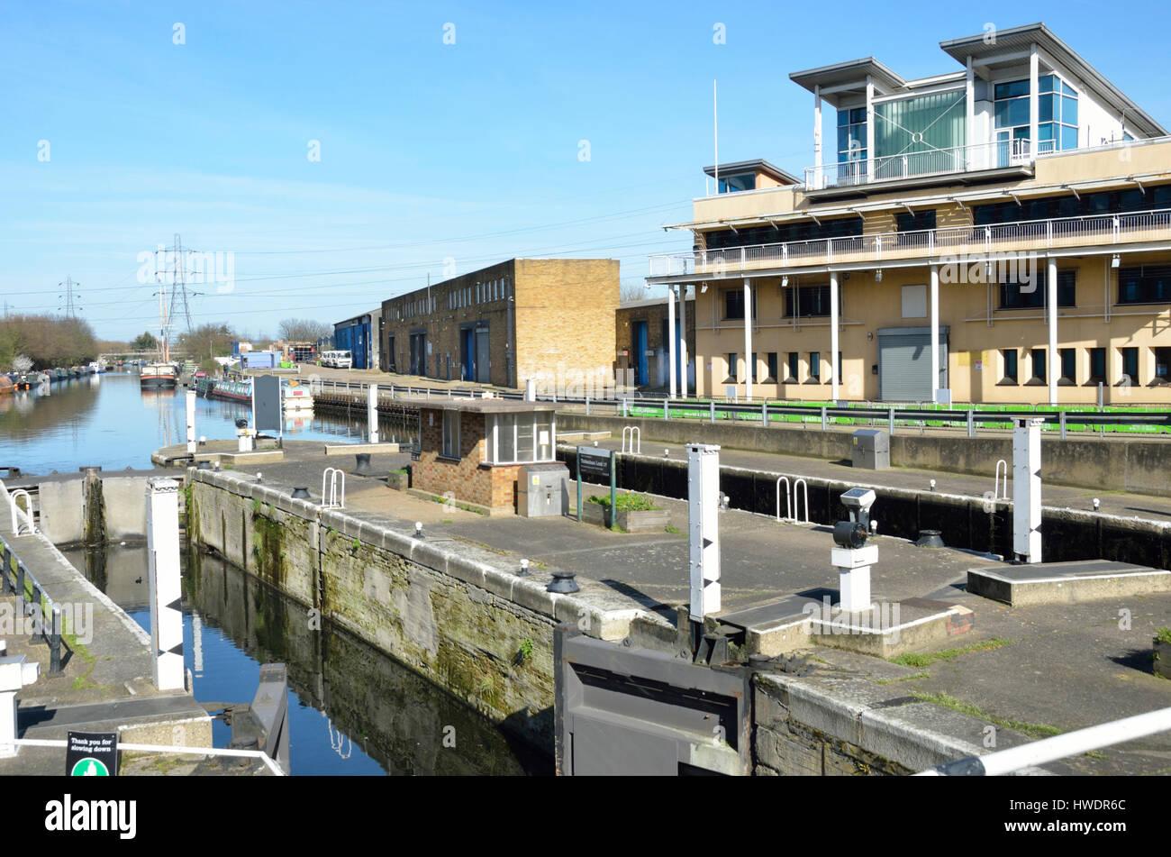 River Lea Navigation Tottenham Lock 17, Tottenham Hale, London, UK. Stock Photo