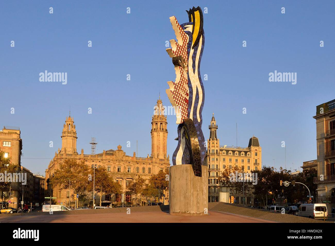 Spain, Catalonia, Barcelona district, the sculpture El Cap de Barcelona (The Head) (1992) by the American artist Stock Photo