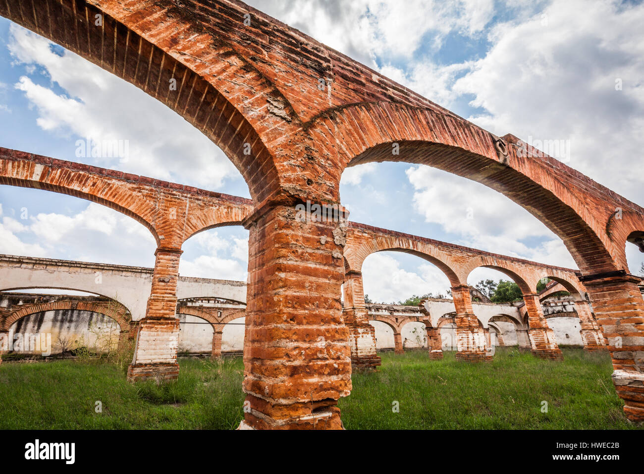 Old abandoned arches at the ex-hacienda Gogorron in San Luis Potosi, Mexico. - Stock Image