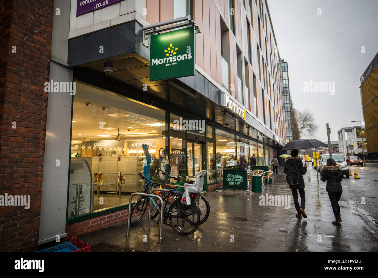 Morrisons supermarket. Exterior of small Morrisons store in Manchester  - Grafton St, Oxford Rd, Manchester M13 - Stock Image