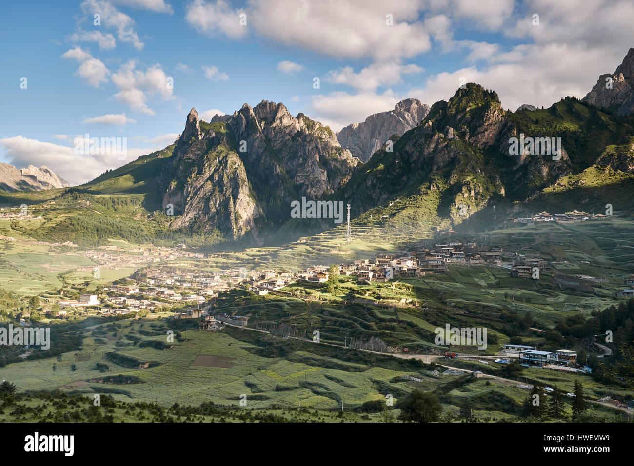 Mountain ranges, Zhagana, Gansu Province, China - Stock Image
