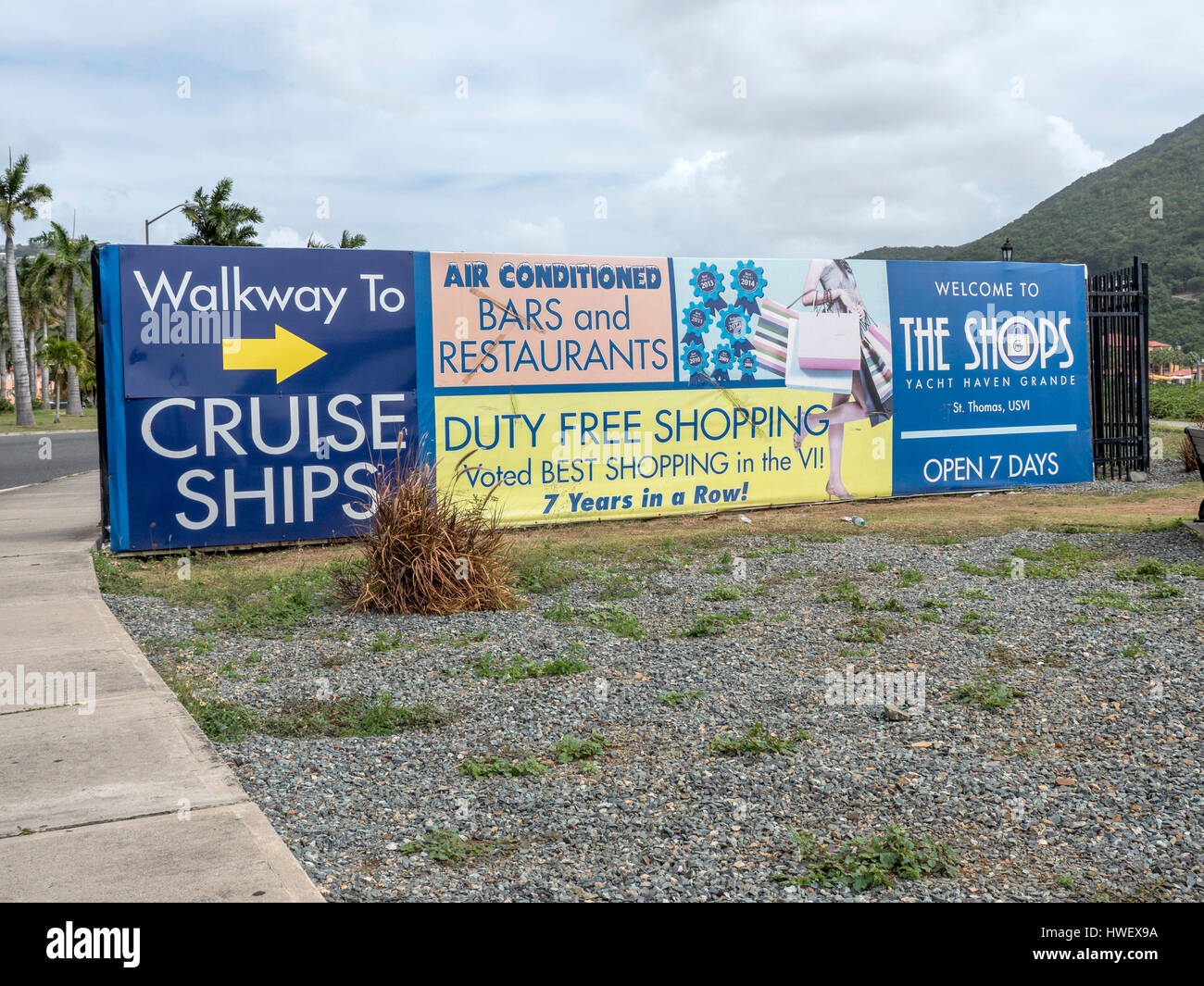 Signs To Yacht Haven Grande In Charlotte Amalie, St Thomas USVI, A Private Yacht Marina, Shopping Location And Cruise - Stock Image