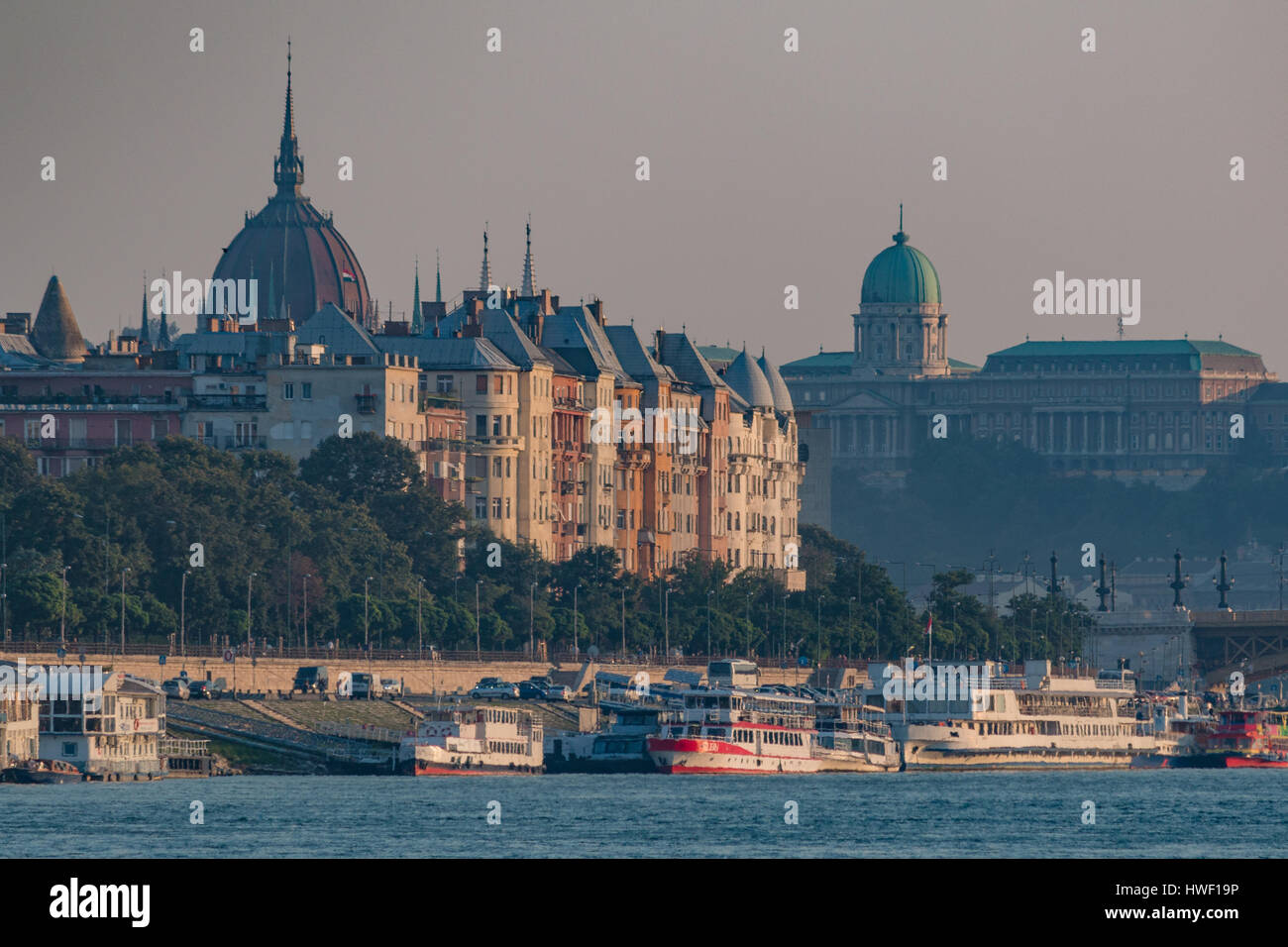 Heat waves on a hot summer day in Budapest, Hungary with the royal palace - Stock Image