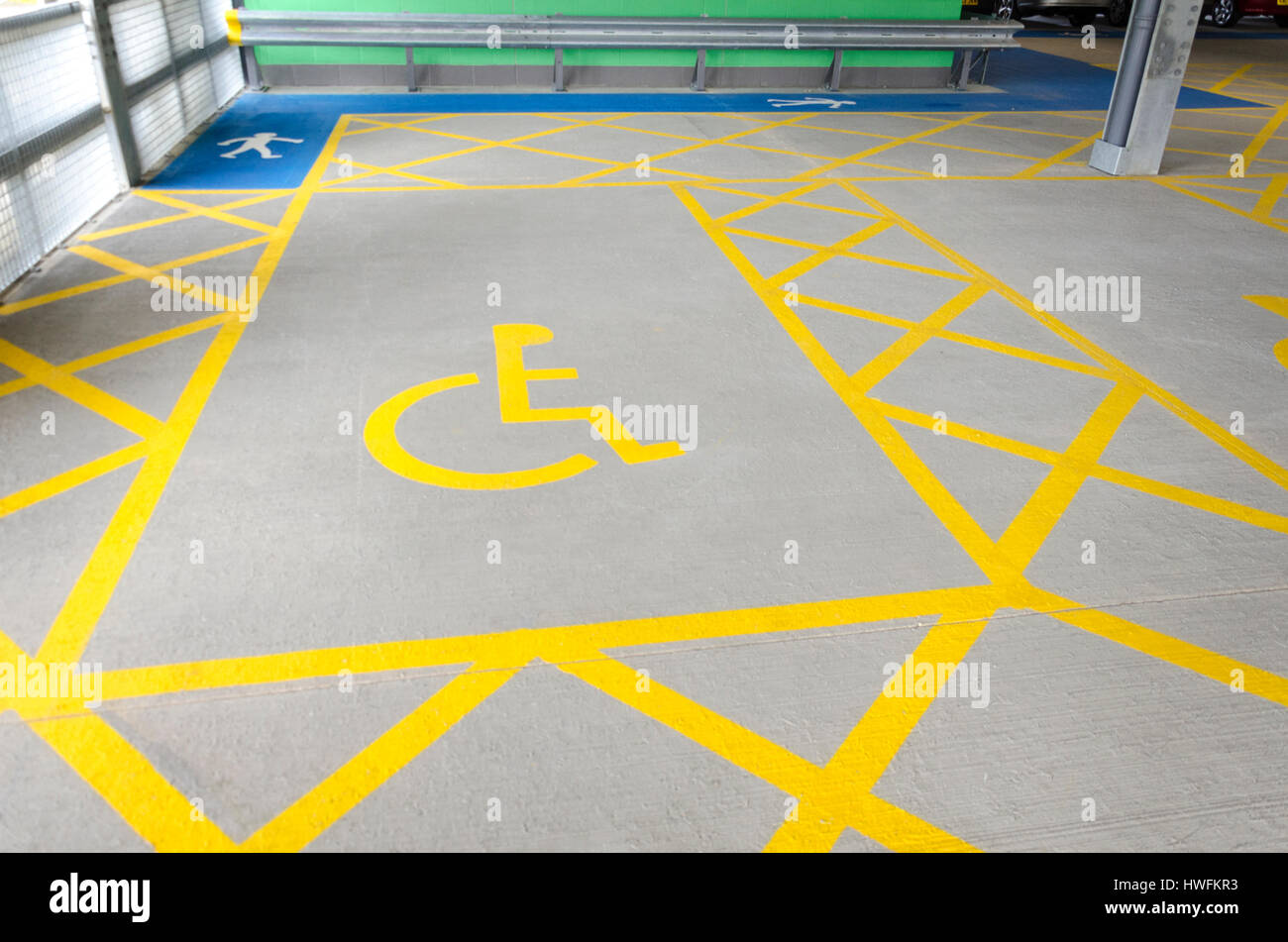 Large disabled parking space - Stock Image