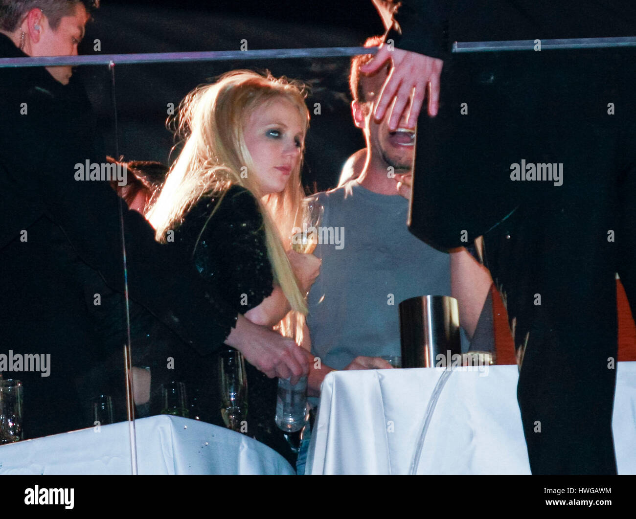 exclusive-photo-of-britney-spears-drinki