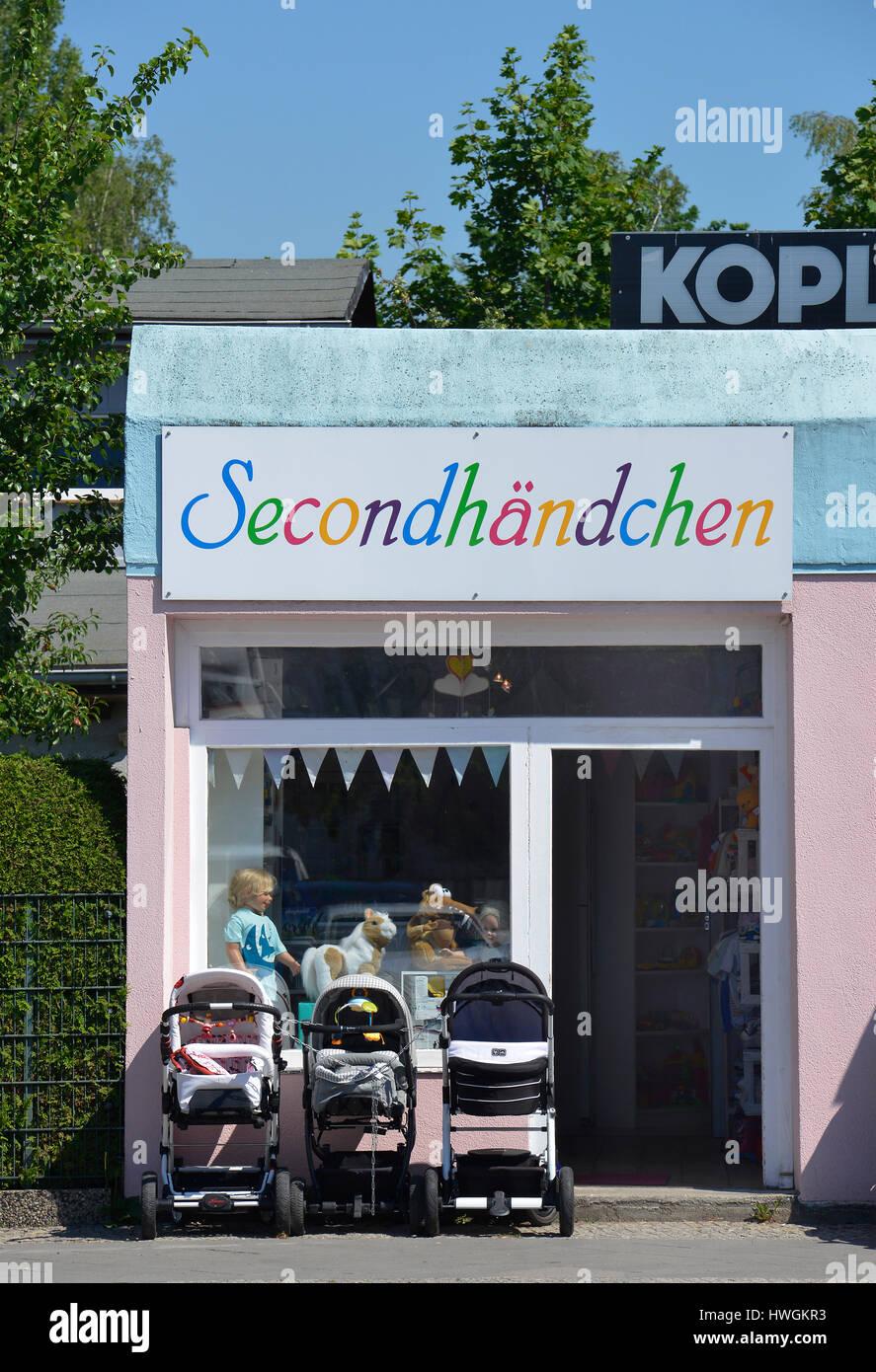 Kinder Secondhand, Brunsbuetteler Damm, Spandau, Berlin, Deutschland, Brunsb³tteler Damm - Stock Image