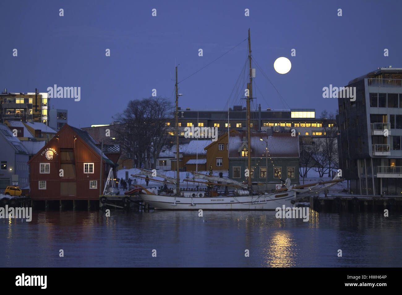 'Full moon about polar museum in Troms?, Norway; Norway; Troms?; polar night; polar night; moon; moon; museum; - Stock Image