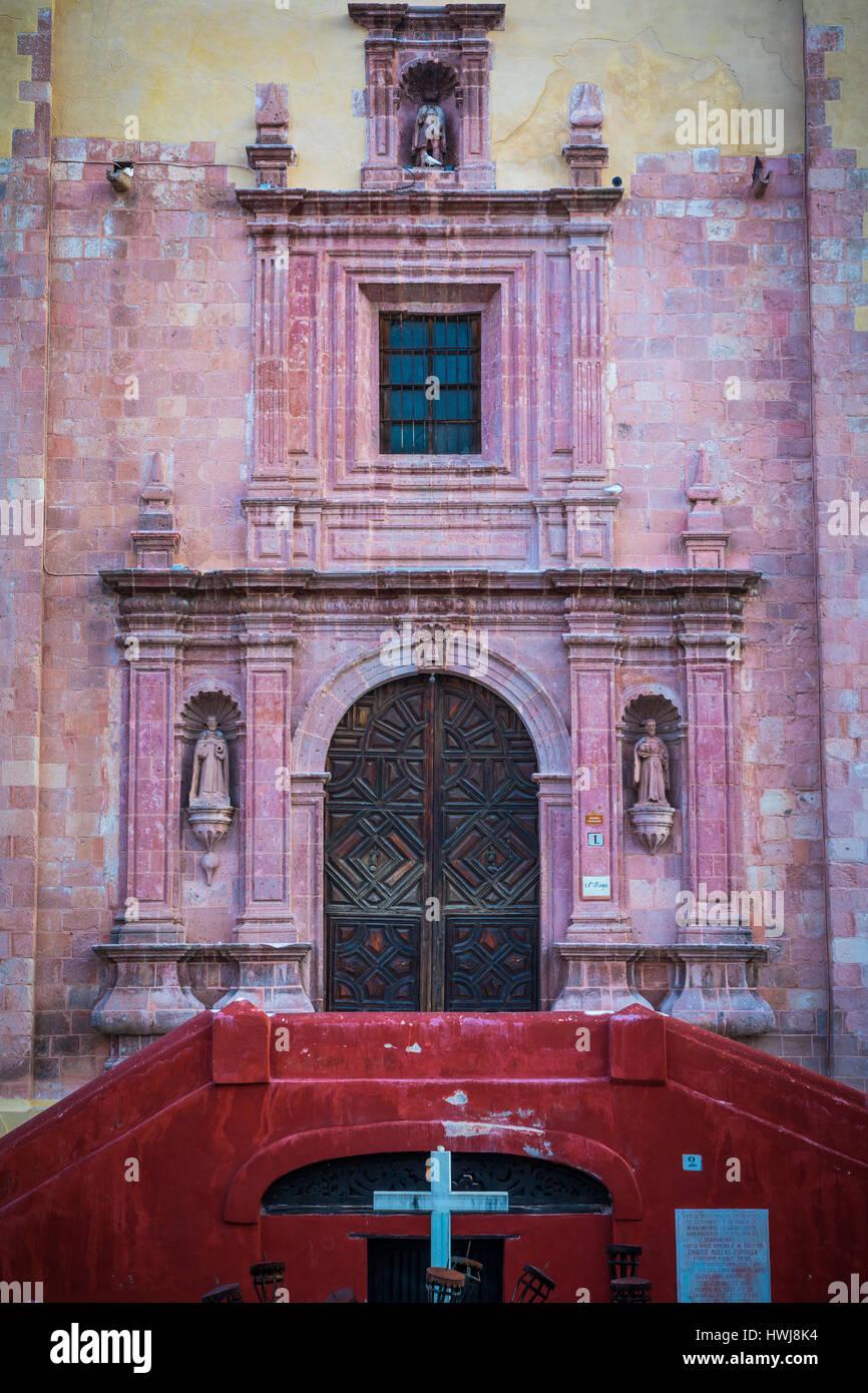 Templo de San Roque church in Guanajuato, Mexico ------ Guanajuato is a city and municipality in central Mexico - Stock Image