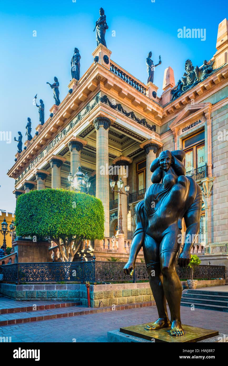 La Giganta sculpture outside Teatro Juarez in Guanajuato, Mexico ------ Guanajuato is a city and municipality in - Stock Image
