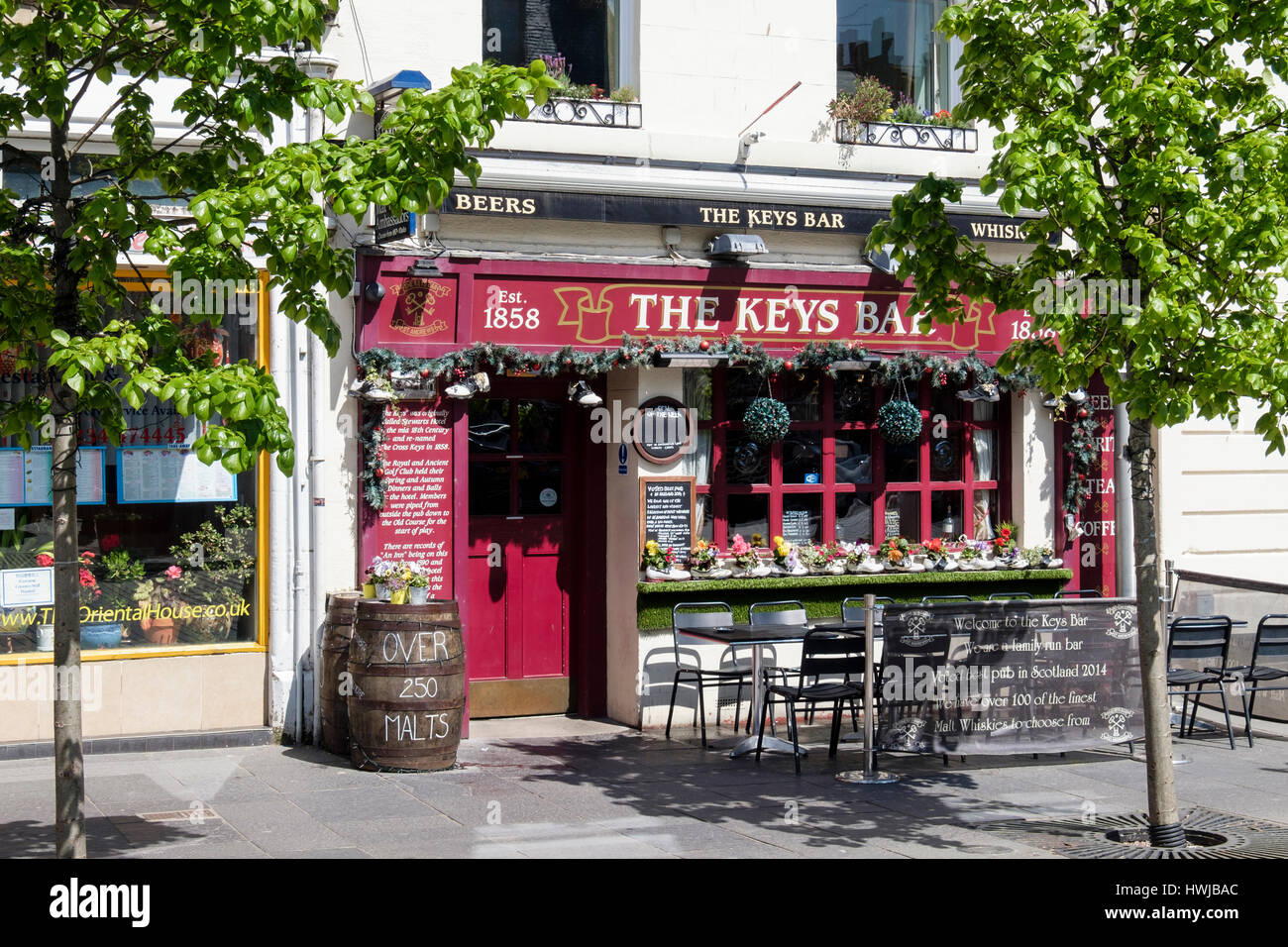 The Keys Bar Inn in town centre was voted best pub in Scotland. Market Street, Royal Burgh St Andrews, Fife, Scotland, - Stock Image