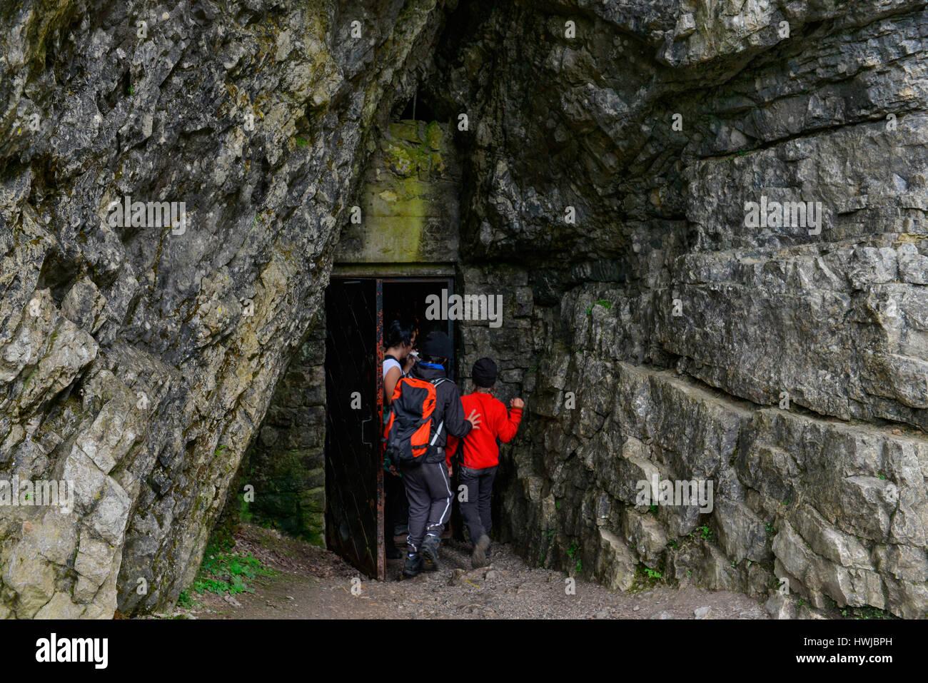 Hoehle Jaskinia Mrozna, Dolina Koscieliska, Hohe Tatra, Polen - Stock Image