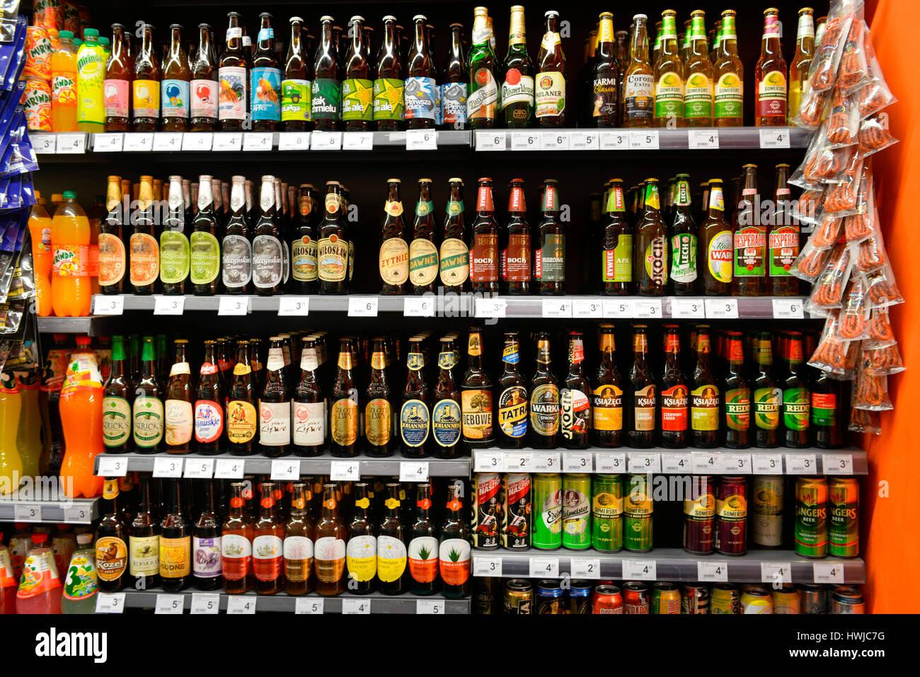 Getraenke, Lebensmittelgeschaeft, Krakau, Polen - Stock Image