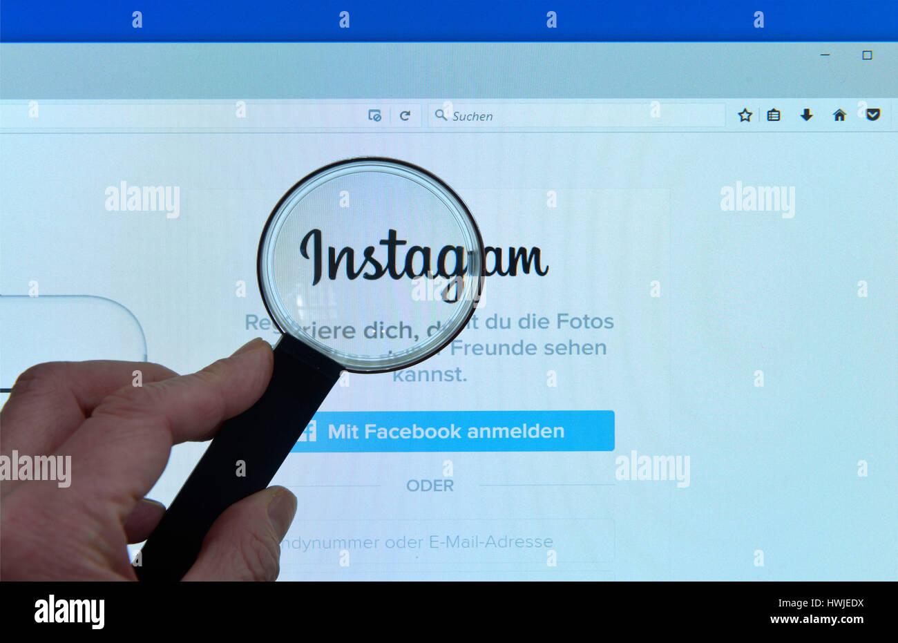 Instagram, Website, Bildschirm, Lupe - Stock Image