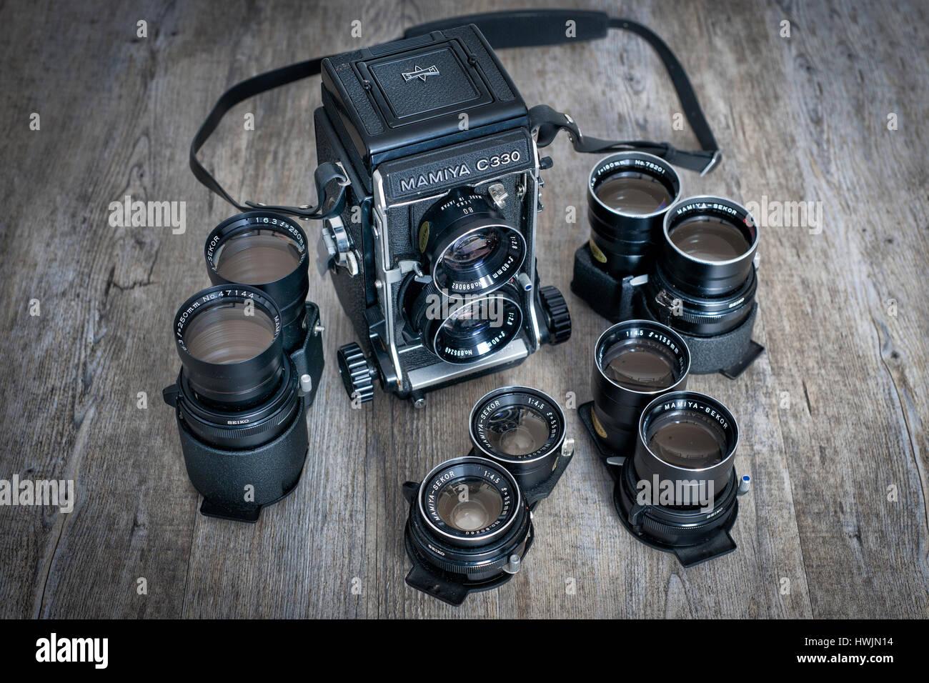 Mamiya C330 medium format twin lens roll film camera with interchangable lenses. Stock Photo
