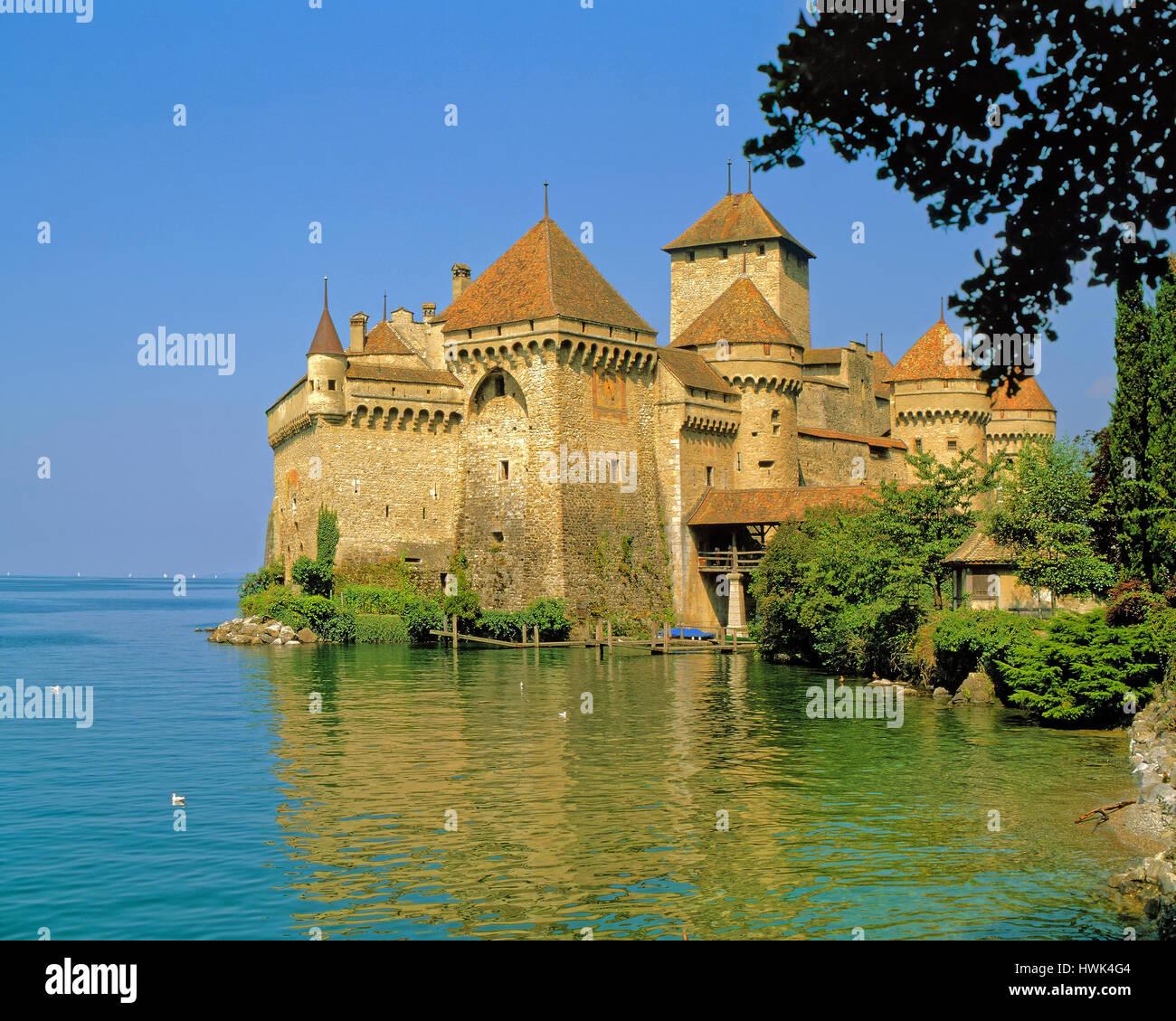 Chateau Chillon on the banks of Lake Leman (Lake Geneva) near Montreux, Switzerland. - Stock Image