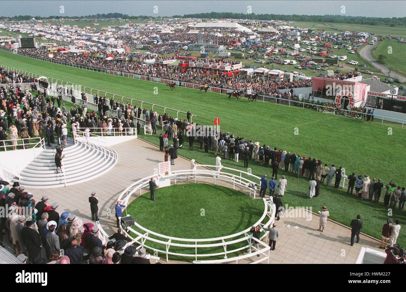 EPSOM ON SUNDAY 10.6.95 GENERAL VIEW FROM GRANDSTAND 17 June 1995 - Stock Image