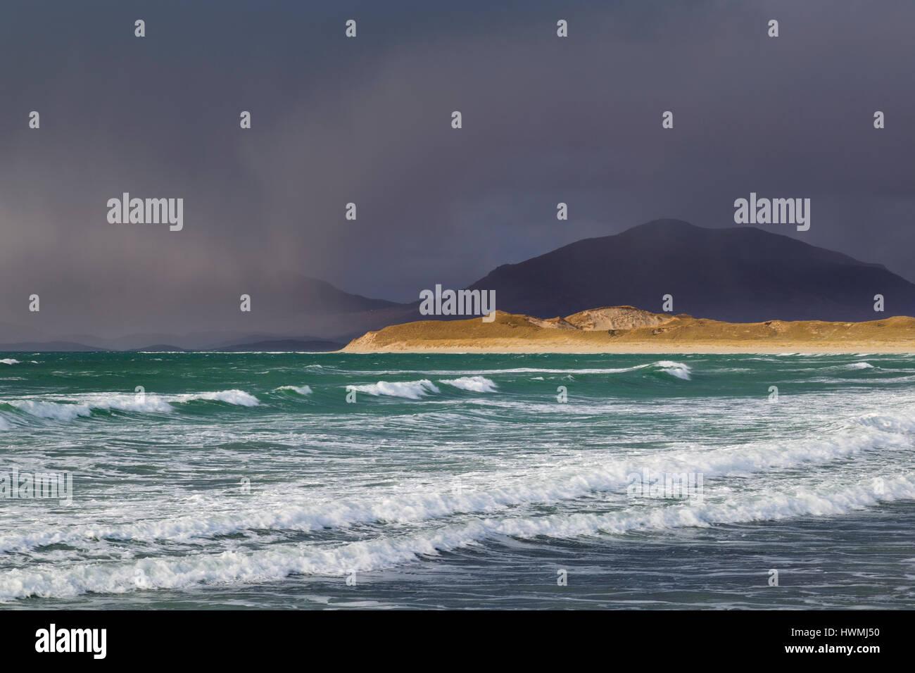 Wild Atlantic seas at Seilebost, Isle of Harris - Stock Image