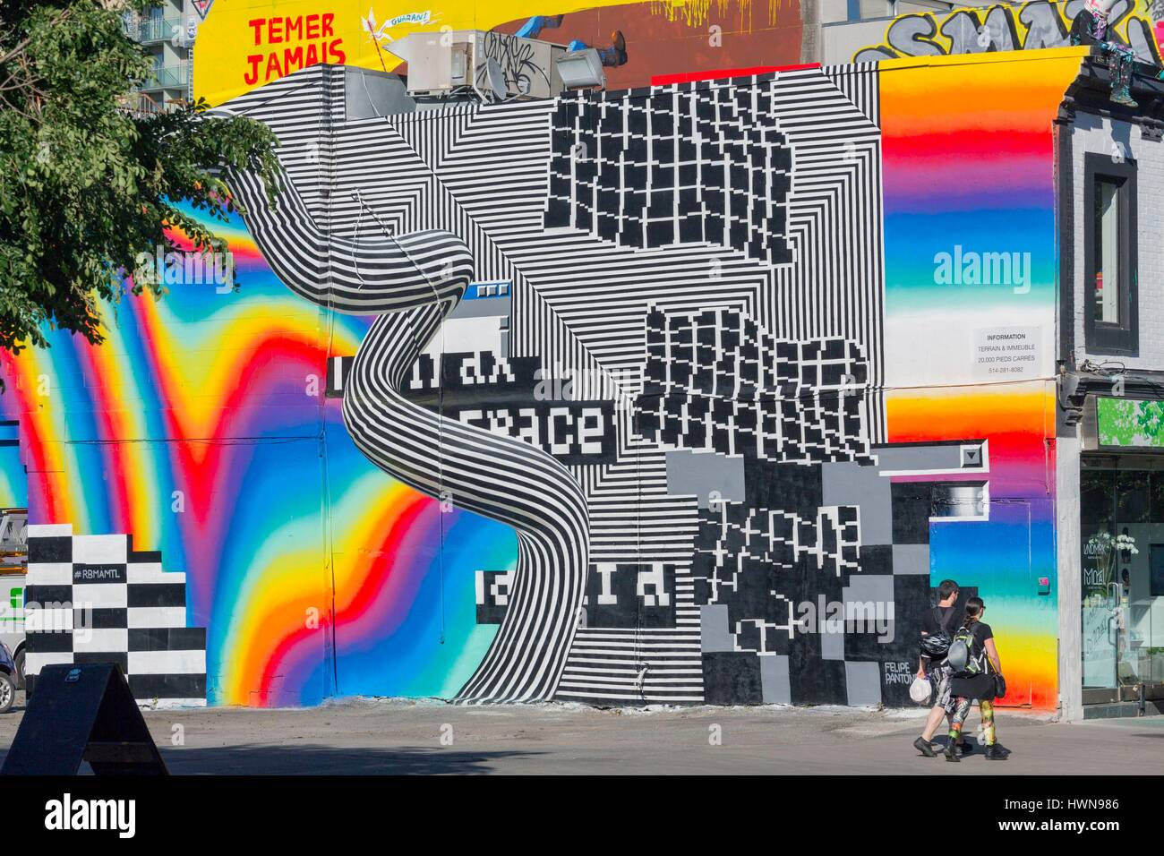 Canada, Province of Quebec, Montreal Mural by Felipe Pantone for the Festival Mural 2016 A geometric work in acid Stock Photo