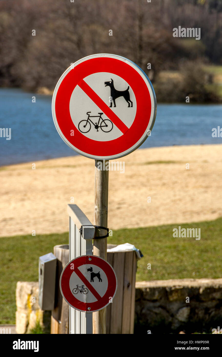 Prohibits bikes sign and prohibits dogs sign. France - Stock Image