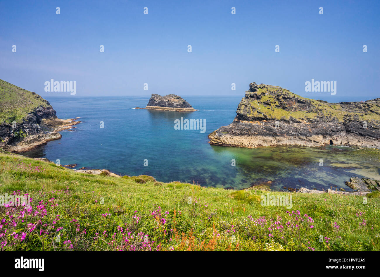 United Kingdom, South West England, Conwall, view of the entrance to Boscastle Harbour with Willapark promontory, - Stock Image