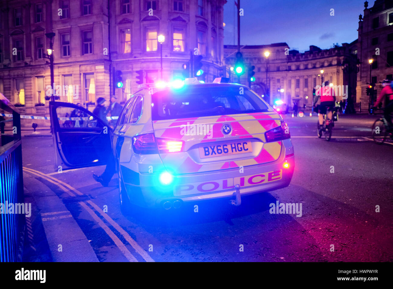 Metropolitan Police vehicle positioned at cordoned off Whitehall in central London following terrorist attack in Stock Photo