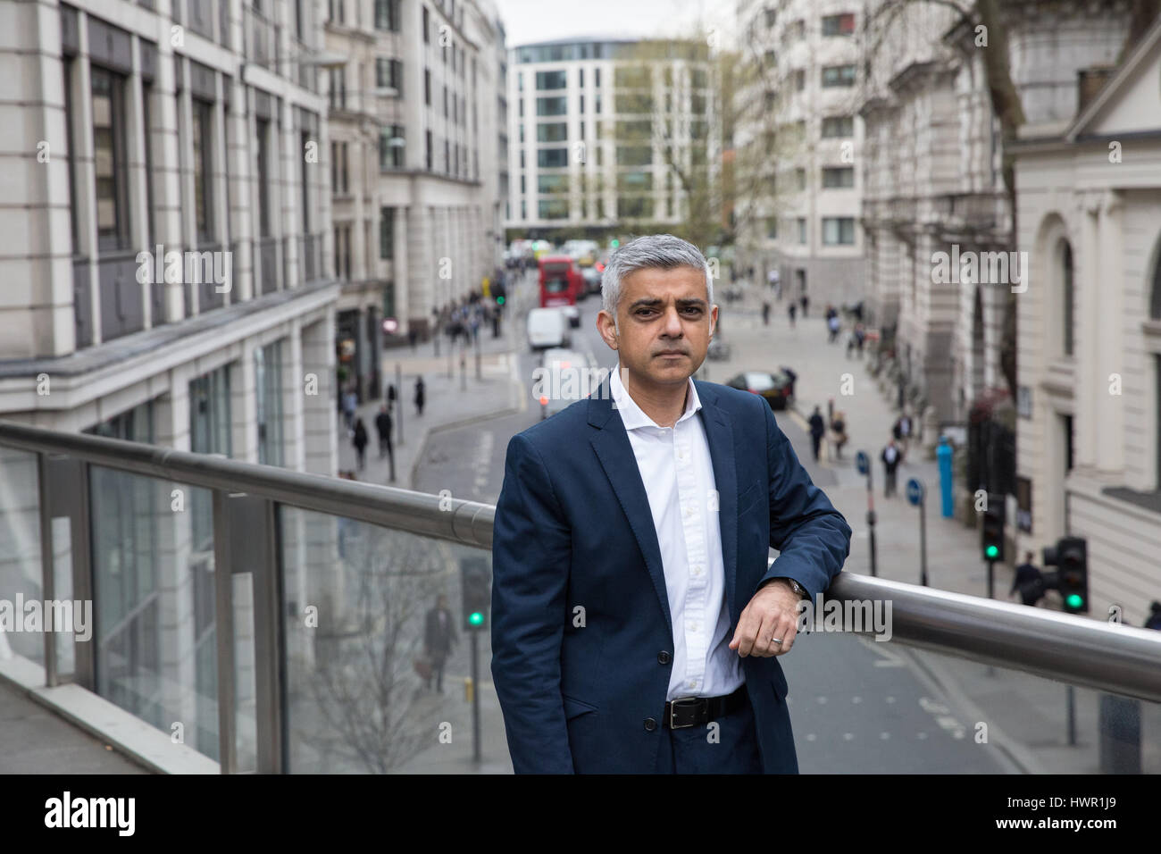 London, UK. 4th Apr, 2017. The Mayor of London Sadiq Khan announces planned dates for the introduction of the world's - Stock Image