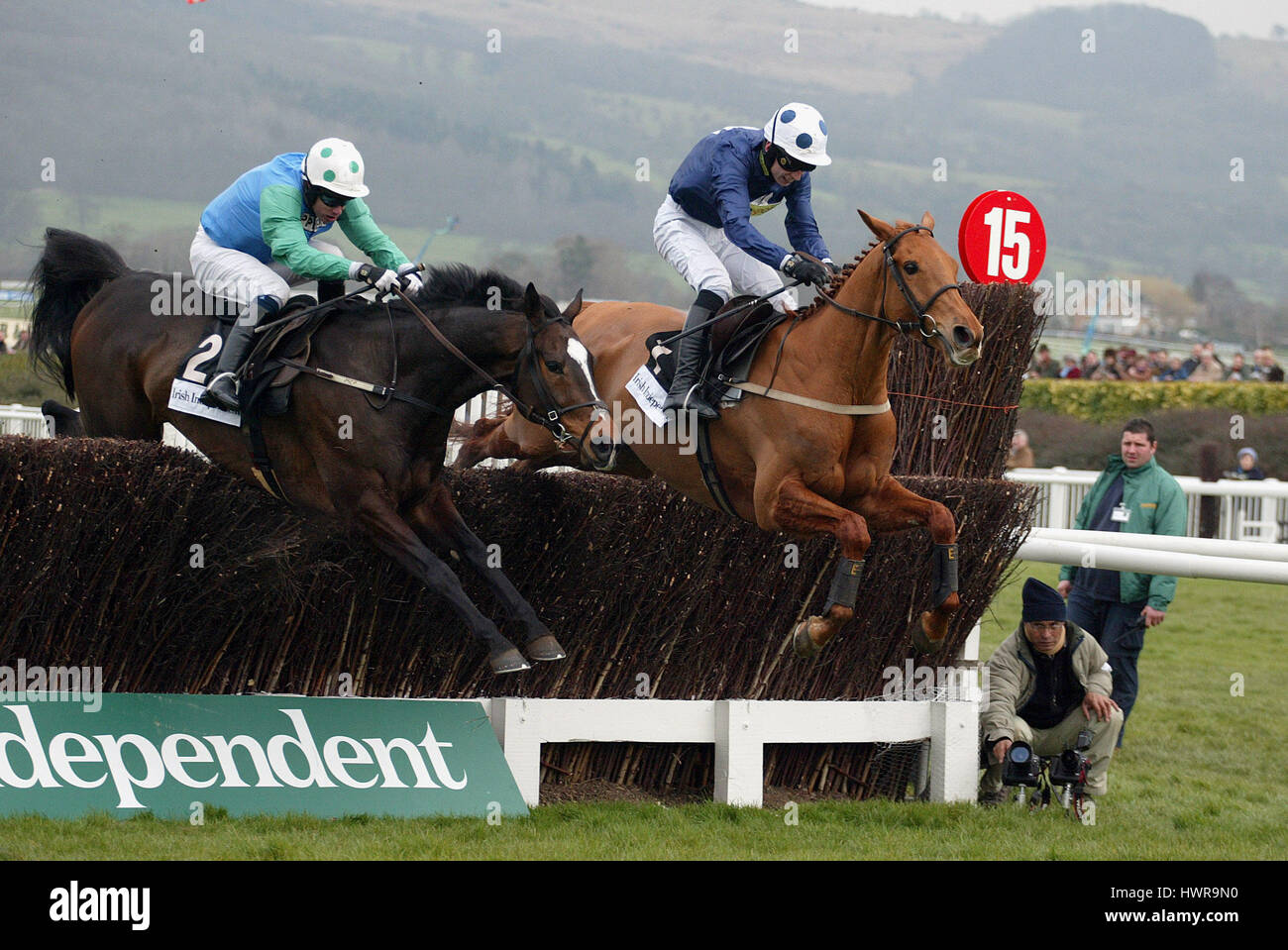 WINNER CONTRABAND ASHLEY BROOK ARKLE CHALLENGE TROPHY CHELTENHAM RACECOURSE CHELTENHAM 15 March 2005 - Stock Image