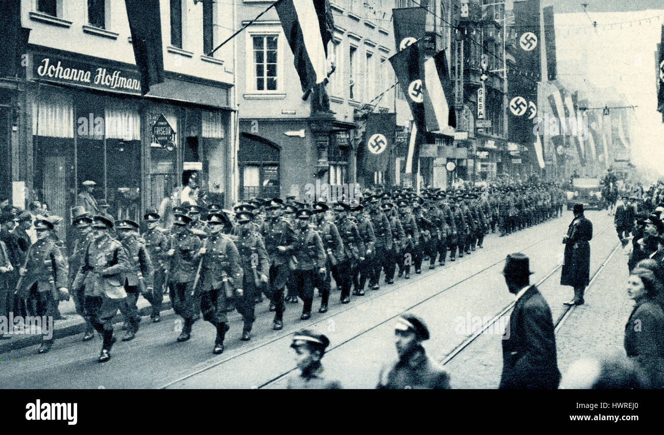British troops marching into Saarbrucken as part of an international force approved by the League of Nations to - Stock Image