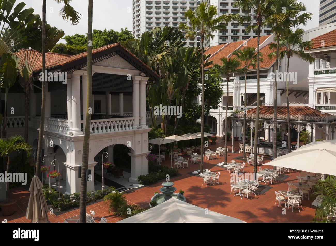 Singapore, Raffles Hotel, courtyard - Stock Image