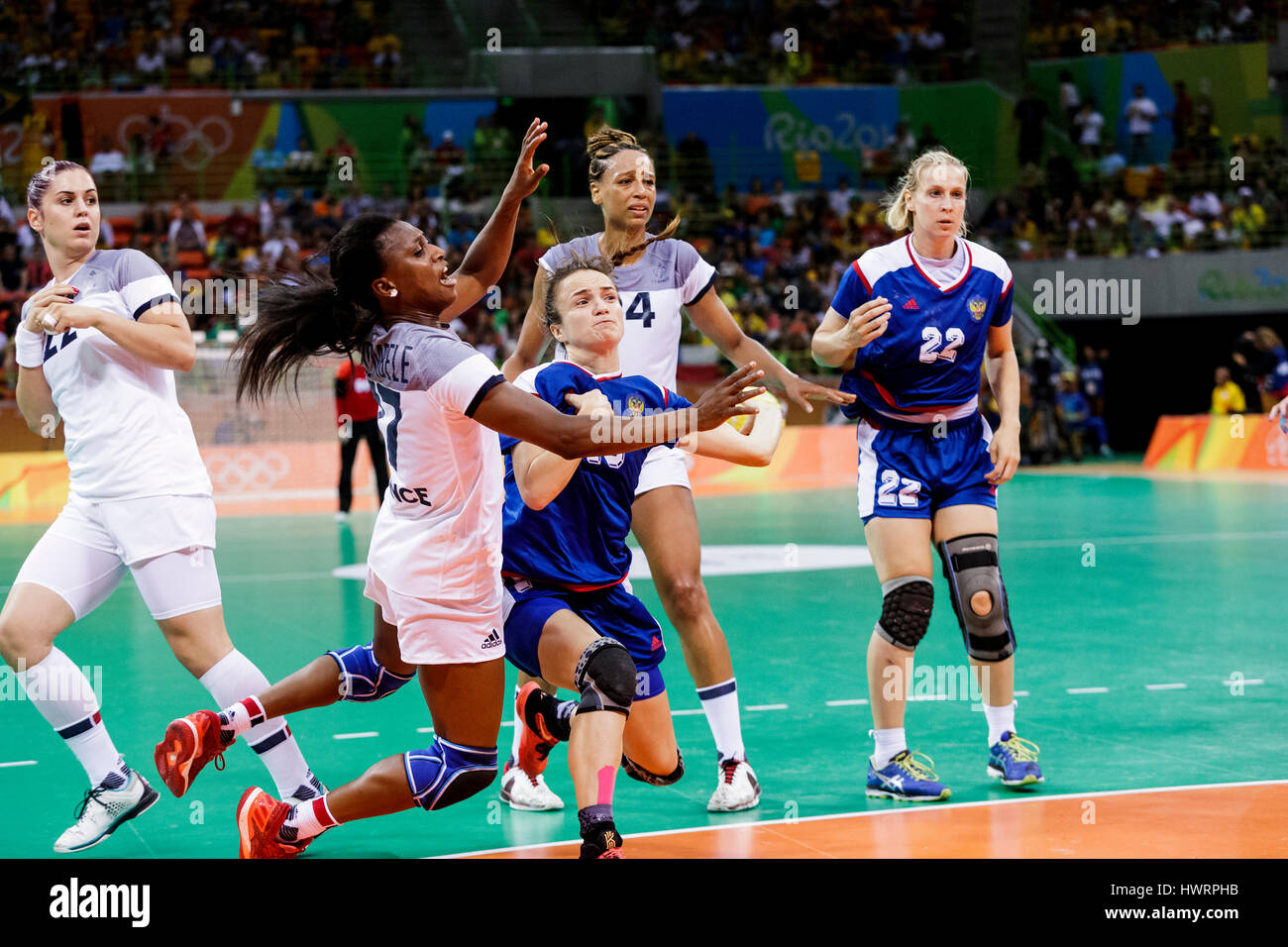 Rio de Janeiro, Brazil. 20 August 2016 Siraba Dembele (FRA) #17 and Anna Vyakhireva (RUS) #13 competes in the women's - Stock Image