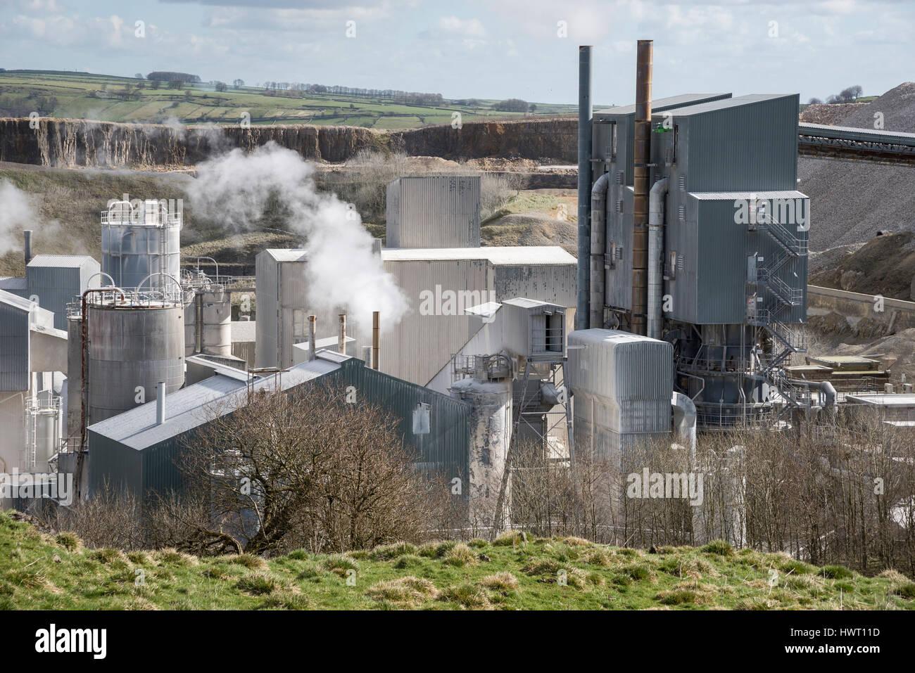 Working limestone quarry near Buxton, Derbyshire, England. - Stock Image