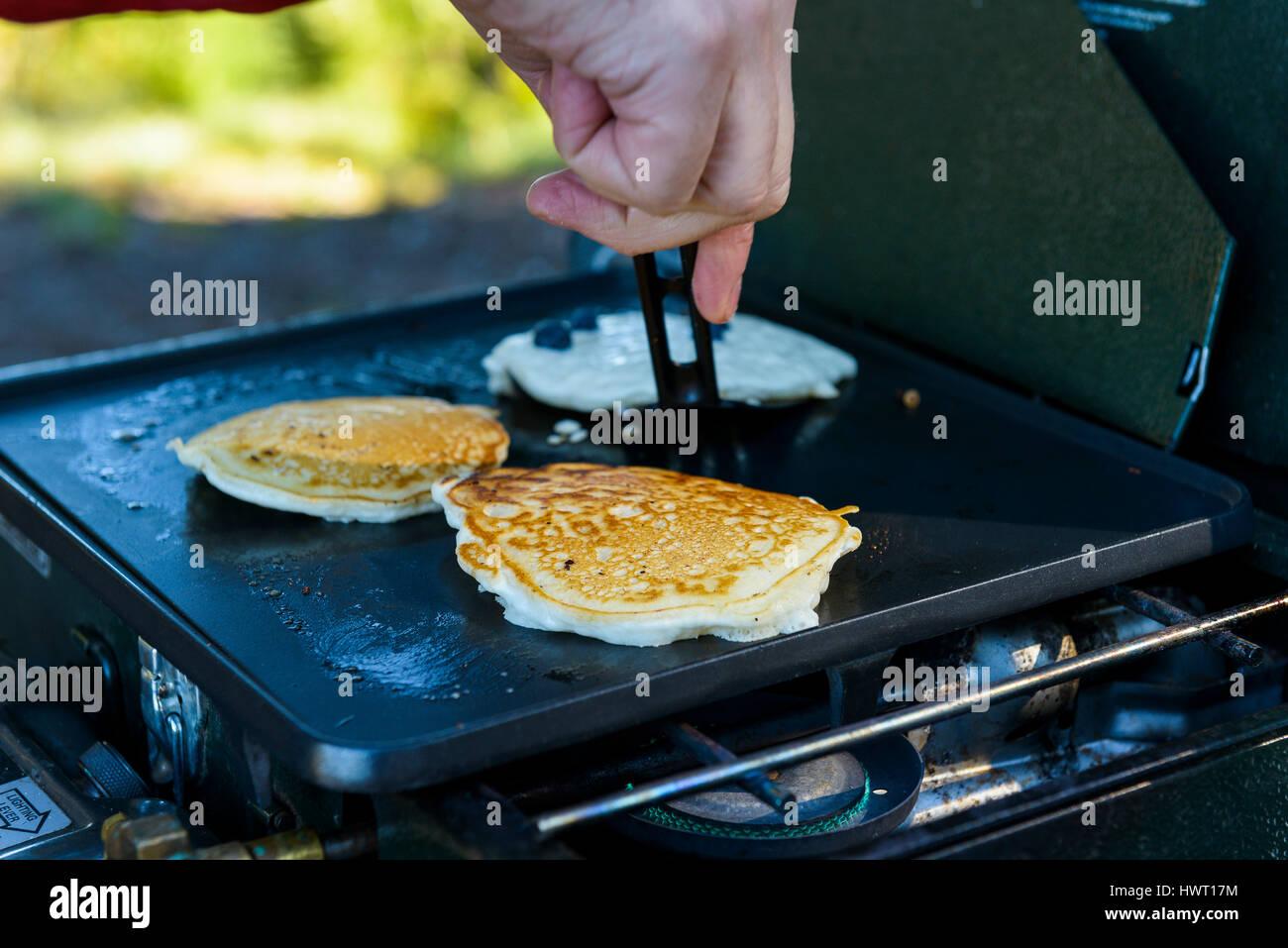Making Pancakes Stock Photos & Making Pancakes Stock Images