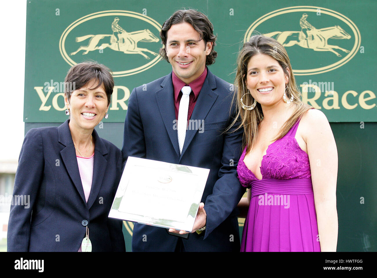 CLAUDIO PIZARRO & WIFE FOOTBALLER & RACE HORSE OWNER YORK RACECOURSE YORK ENGLAND 16 May 2008 - Stock Image