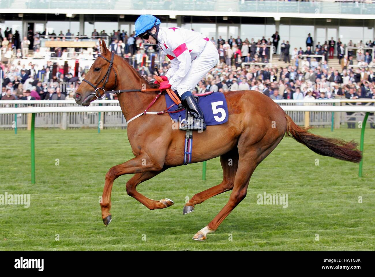 EDDIE JOCK RIDDEN BY JAMIE SPENCER ROWLEY MILE COURSE NEWMARKET ENGLAND 18 April 2007 - Stock Image