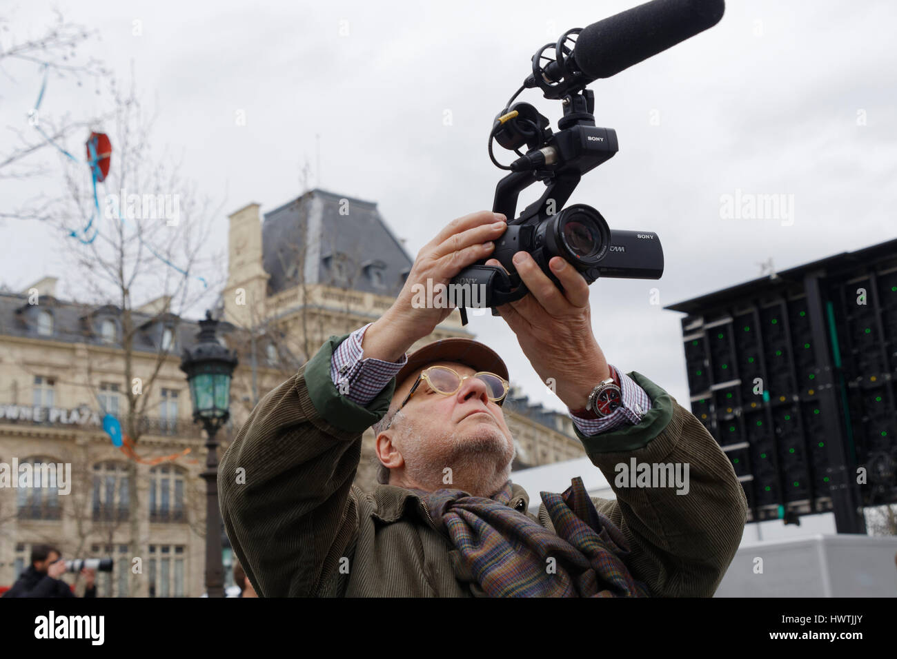 Paris, France. 18th March, 2017. Serge Moati, French journalist and director,attends for the 6th republic, place Stock Photo