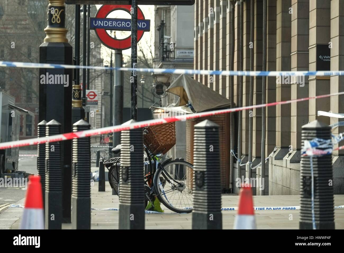 London, UK. 23rd Mar, 2017. Police investigation continues outside Houses of Parliament after yesterdays terror - Stock Image