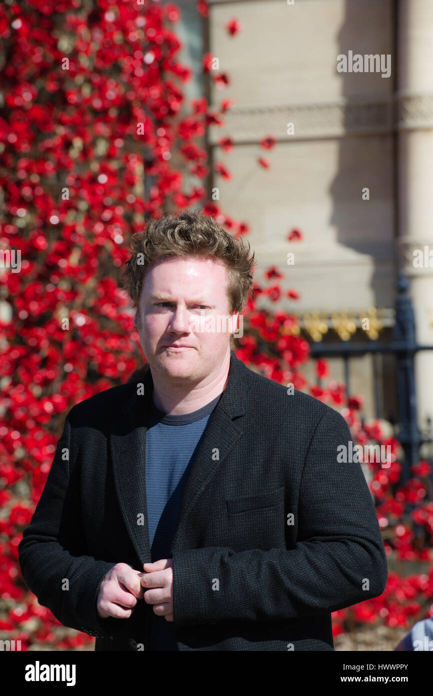 artist Paul Cummins MBE Unveiled the 'Weeping Window' installation in Hull City of culture 2017 - Stock Image