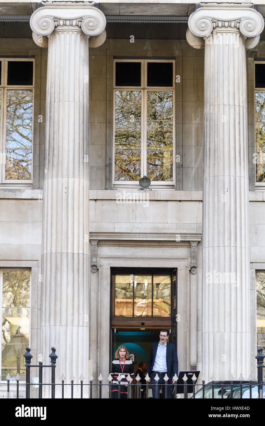 Royal college of surgeons building, London. - Stock Image