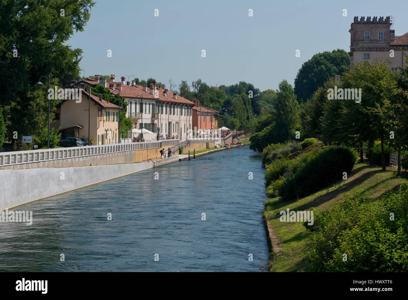 Palaces on the riverside of Naviglio Grande, near Robecco sul Naviglio, Italy Stock Photo