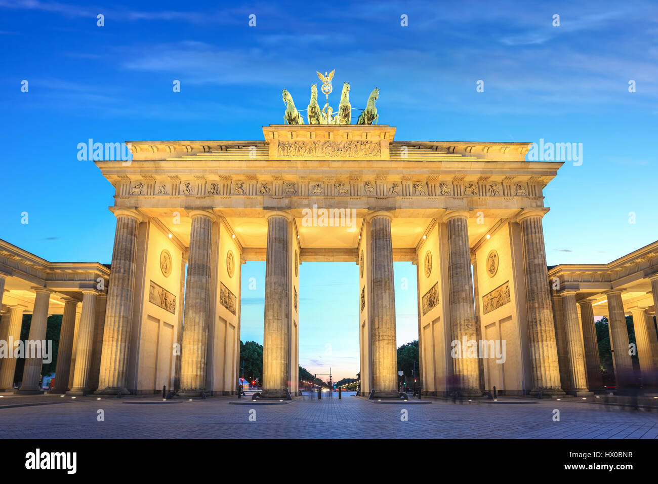 Brandenburg Gate at night, Berlin, Germany - Stock Image