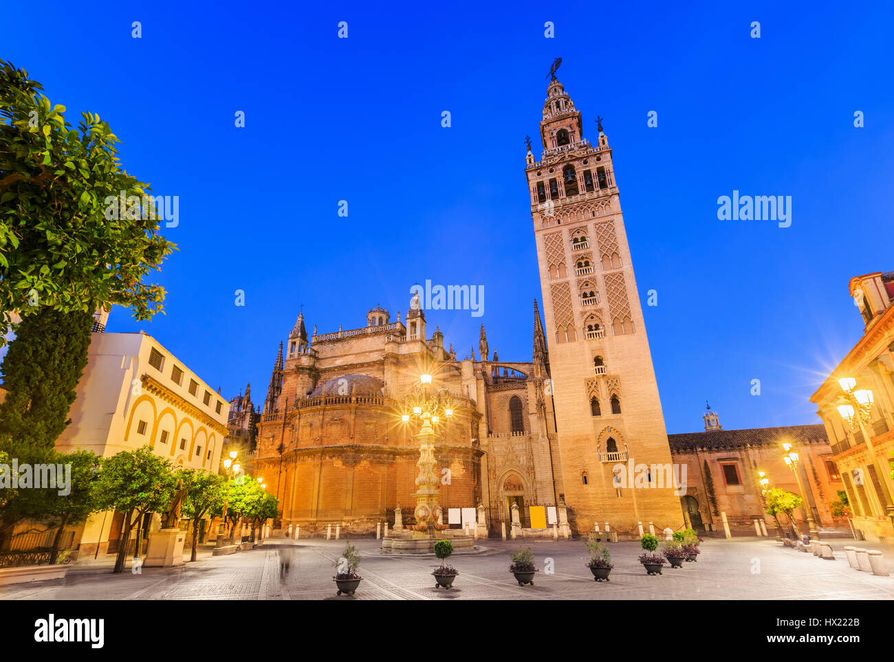 Seville, Spain. Cathedral of Saint Mary of the See with the Giralda bell tower. - Stock Image
