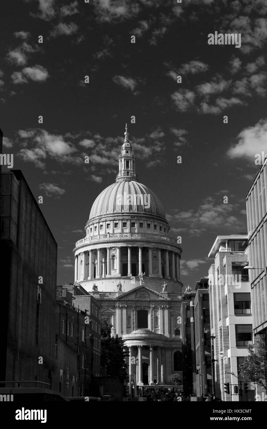 St Paul's Cathedrel London. Constructed on June 21 1675. - Stock Image