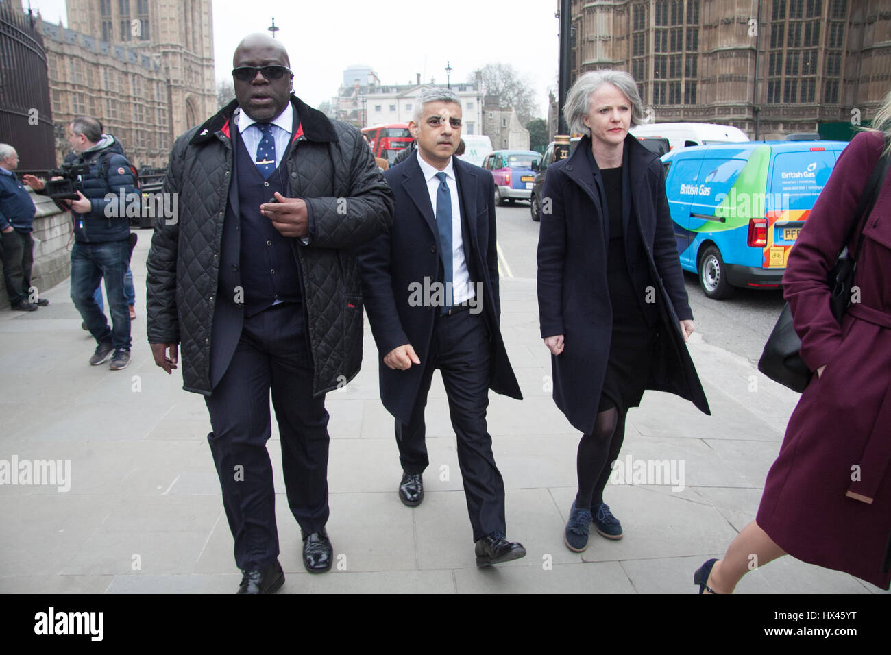 London, UK. 24th Mar, 2017. London Mayor Sadiq Khan visits Parliament to pay tribute to police officers after the - Stock Image
