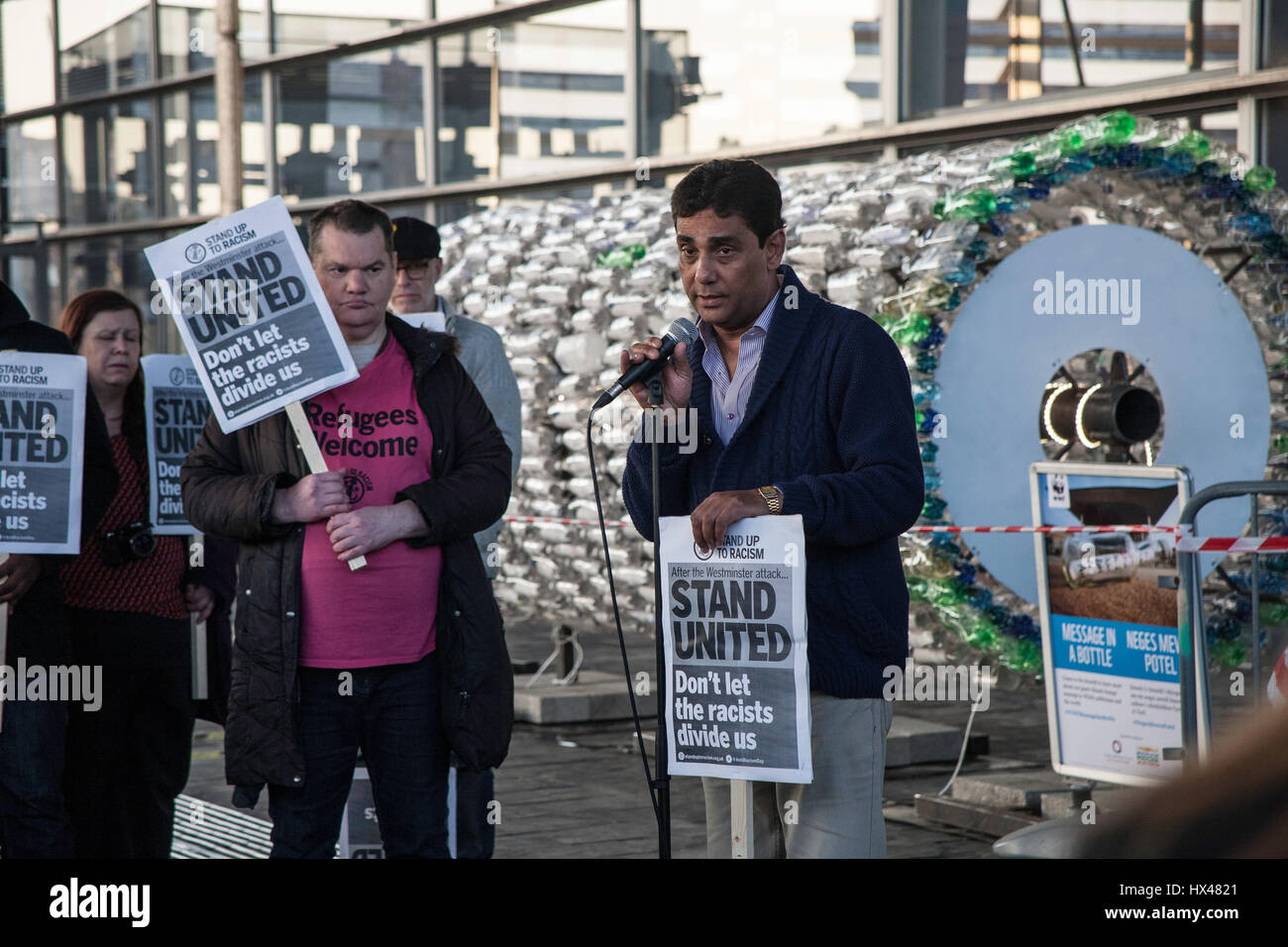 Cardiff, UK. 24th March, 2017. Vigil held outside of the Senedd in Cardiff by faith groups to show solidarity with - Stock Image