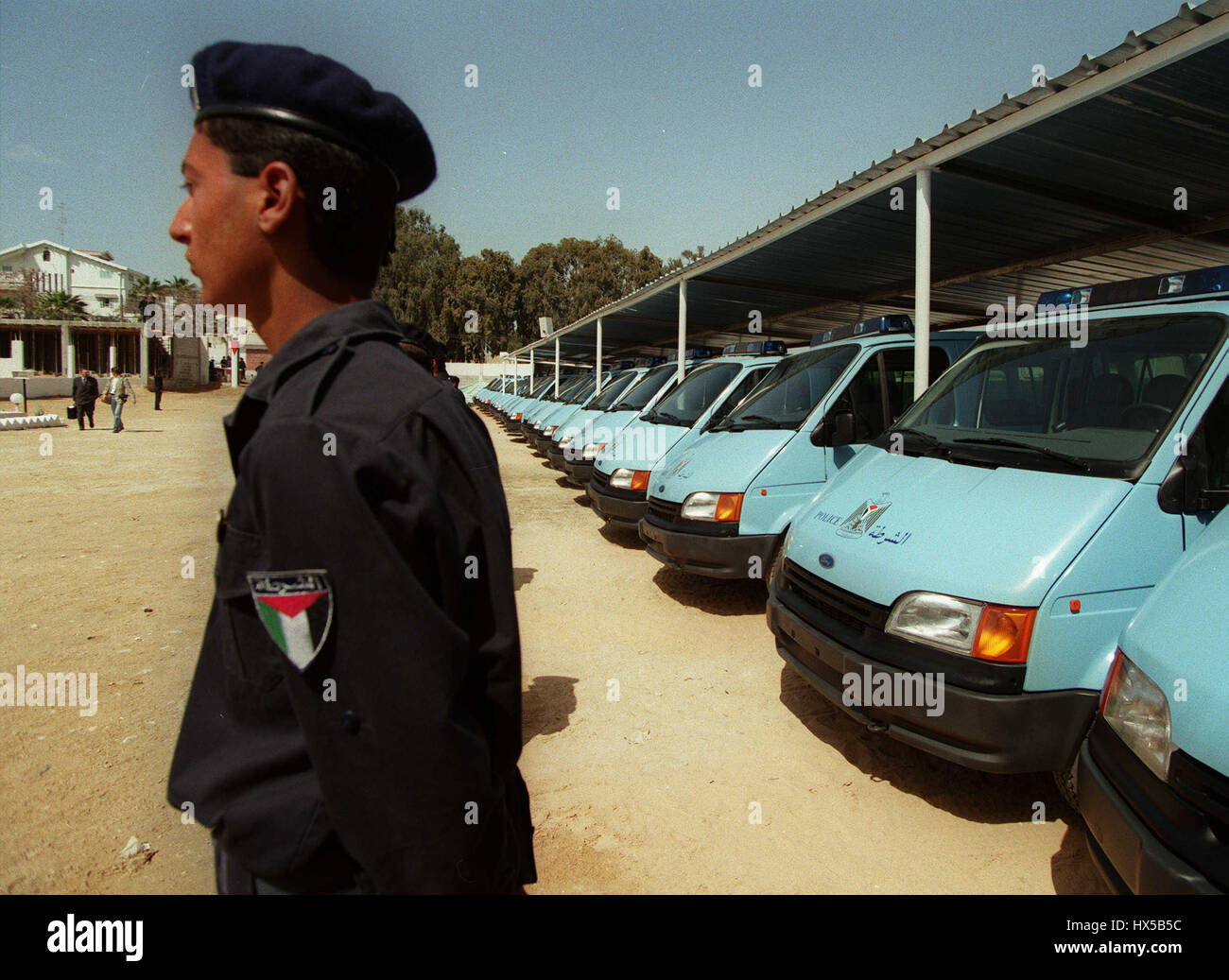 GAZA CIVILIAN POLICE WITH BRIT. DONATED POLICE VEHICLES 29 March 1995 - Stock Image