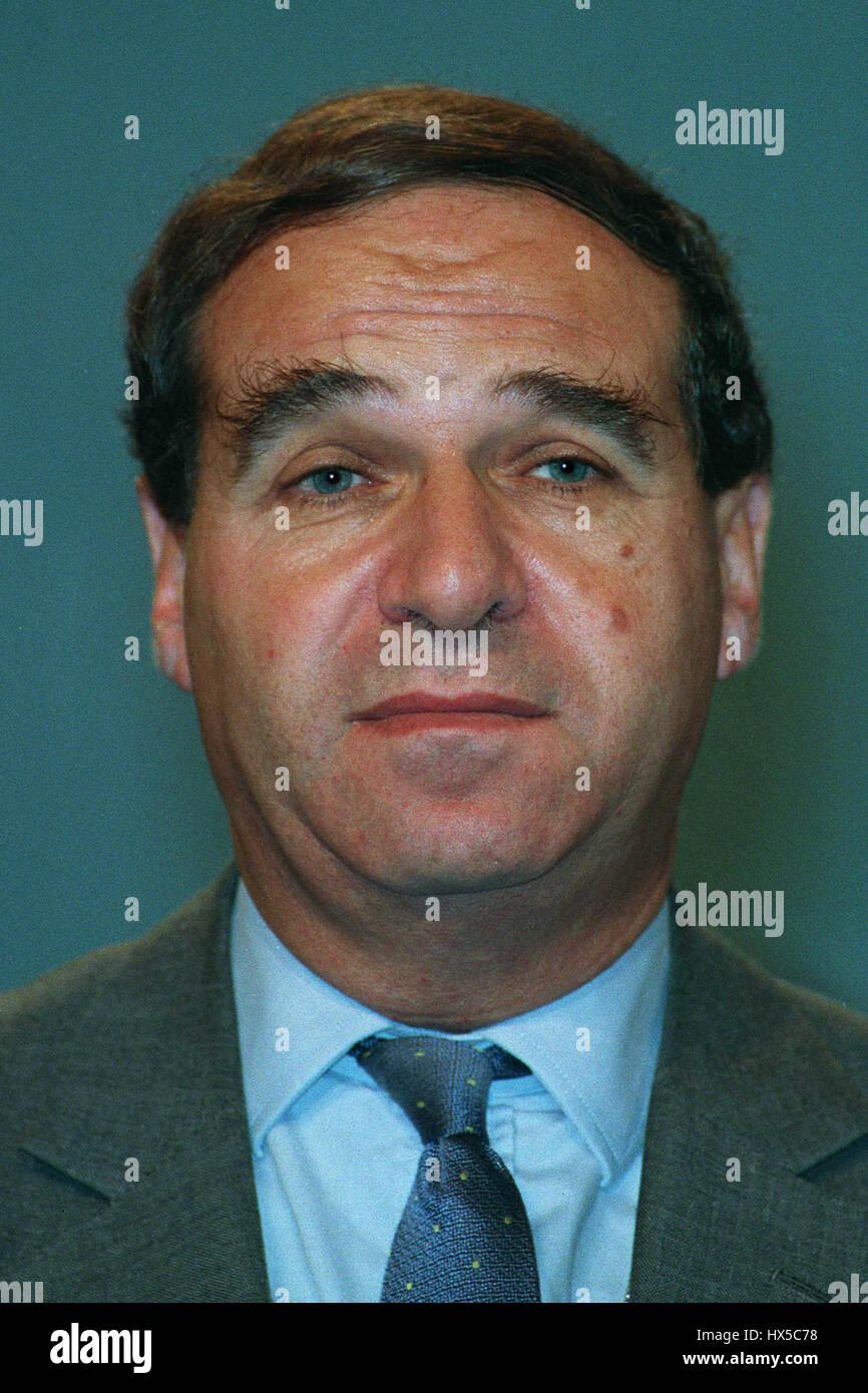LEON BRITTON VICE CHAIRMAN OF THE EC 05 December 1993 - Stock Image